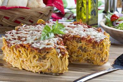 baked spaghetti cake mrfood com