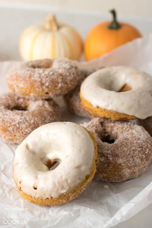 Bakery-Style Pumpkin Spice Doughnuts