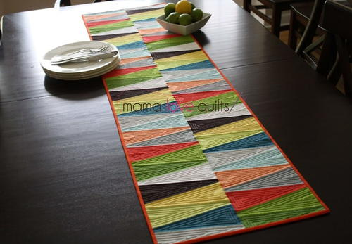 Charmant Modern Dresden Quilt Table Runner