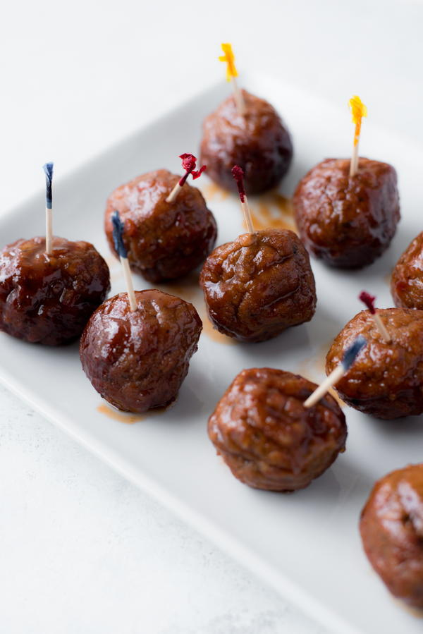 World's Easiest Slow Cooker Party Meatballs