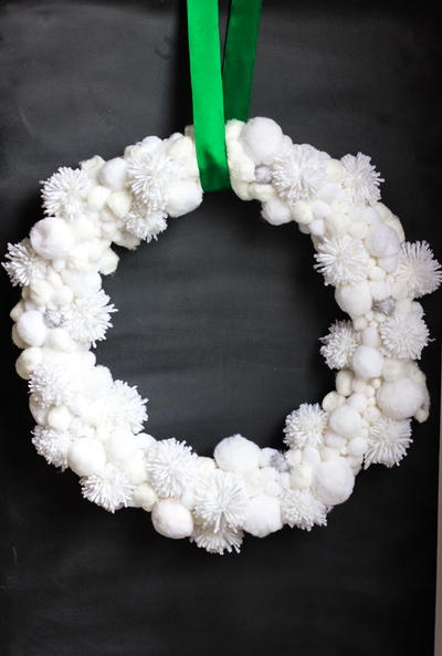 Pom-Pom Wreath Winter Craft