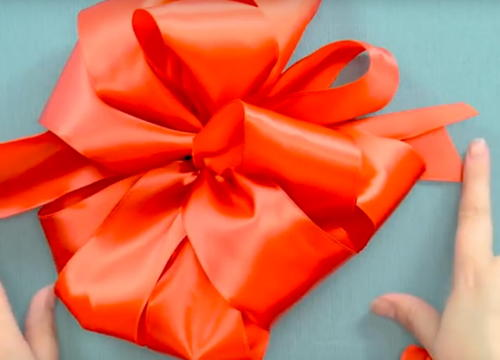 How to Make a Bow with Wired Ribbon | FaveCrafts.com