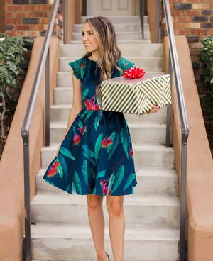 Velvet Vixen Holiday Dress Tutorial