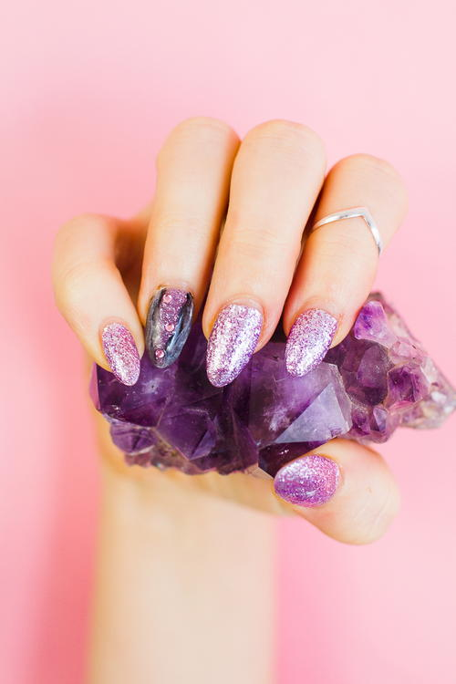 Geode Amethyst Nail Manicure