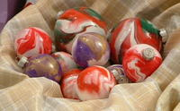 Simple Marbled Christmas Ornaments