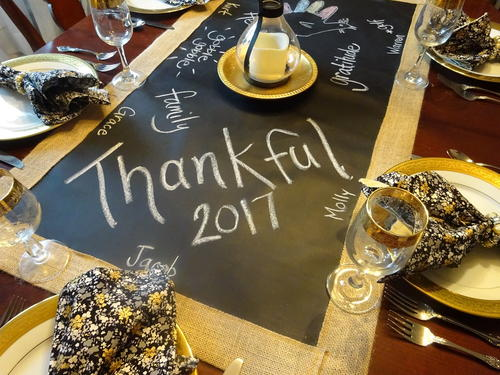 Wonderful Rustic Thanksgiving Table Runner
