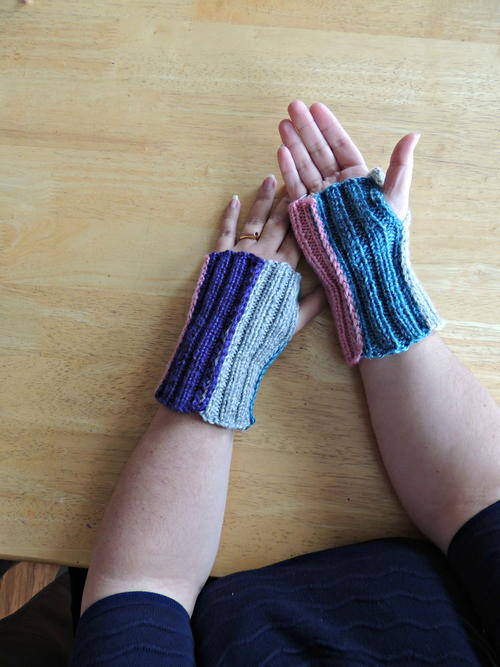 Knit Stripey Mitts
