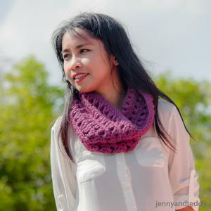 Purple Delight Crochet Cowl