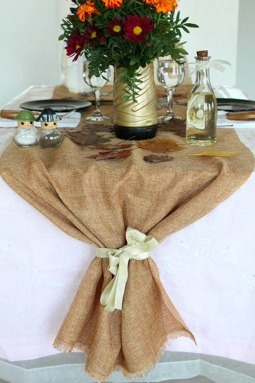 DIY Thanksgiving Table Runner