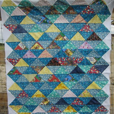25 Half Square Triangle Quilt Patterns | FaveQuilts.com : triangle pattern quilt - Adamdwight.com