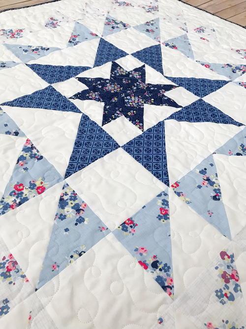Blue Carolina Starburst Quilt Pattern | FaveQuilts.com : starburst quilt - Adamdwight.com