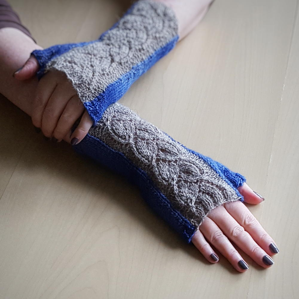 Jeans and Old Lace Knit Fingerless Gloves   AllFreeKnitting.com