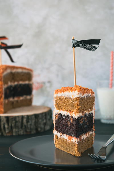 Chocolate & Oreo Pumpkin Cake