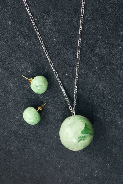 Gorgeous and Glam Green Jewelry