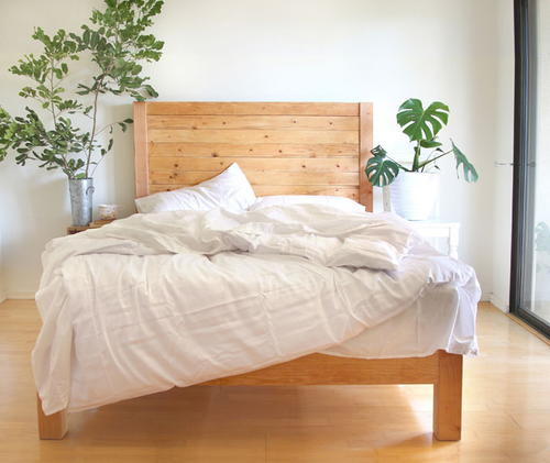 Easy and Beautiful Wood DIY Headboard