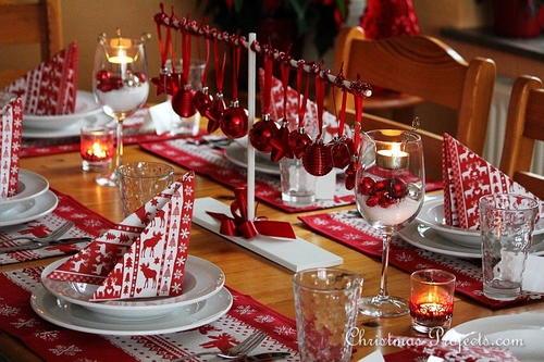 Scandinavian-Style Christmas Table Setting & Scandinavian-Style Christmas Table Setting | AllFreeChristmasCrafts.com