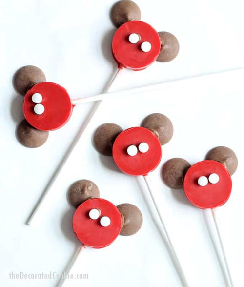 Mickey-Inspired DIY Cake Pops