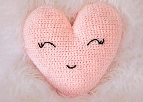 Heart Shaped Pillow Allfreecrochet