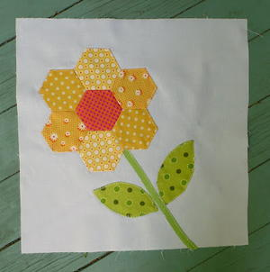 Quickie Hexie Flower Quilt Block