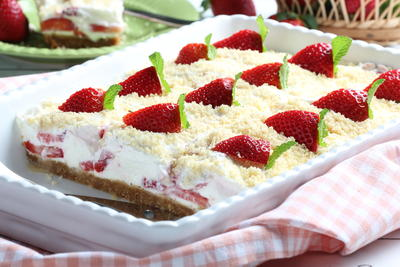 Icebox Strawberry Shortcake Bars