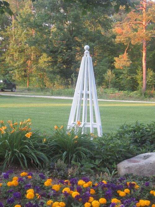 DIY Garden Pyramid Trellis