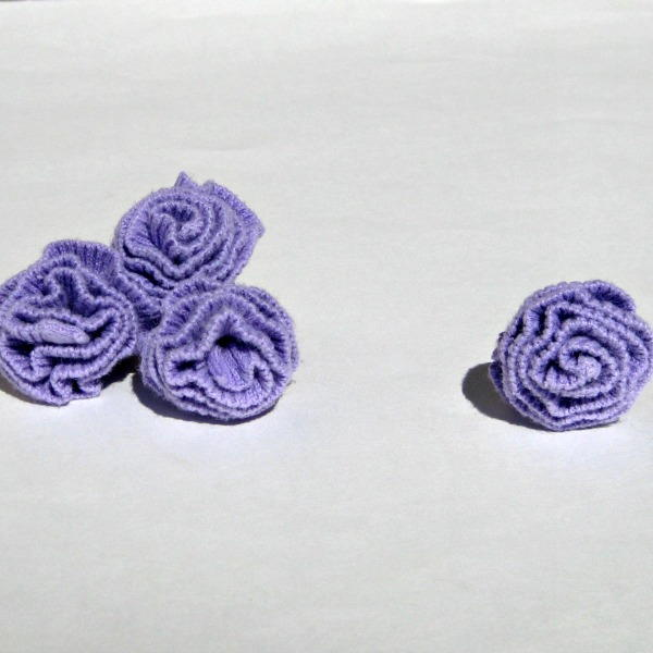 5-Minute Upcycled Sweater Flowers