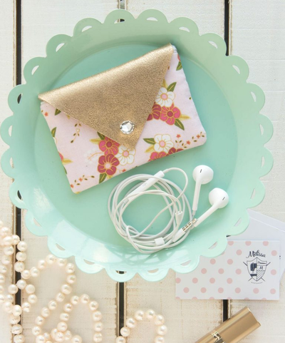 Pretty Floral DIY Earbud Case
