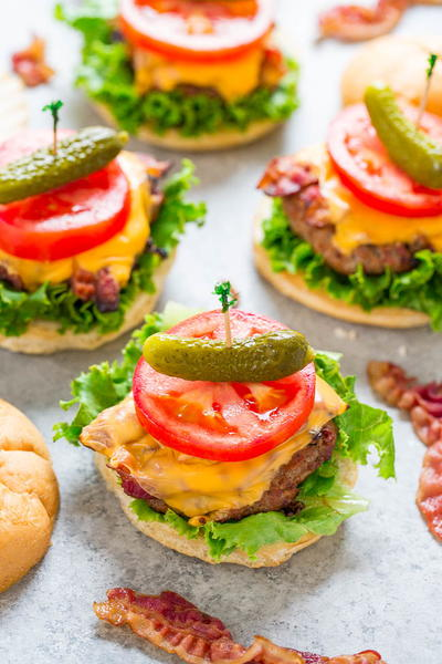 Dads Famous Grilled BLT Turkey Burgers