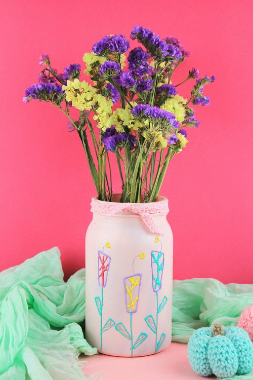 Upcycle Jar to Flower Vase