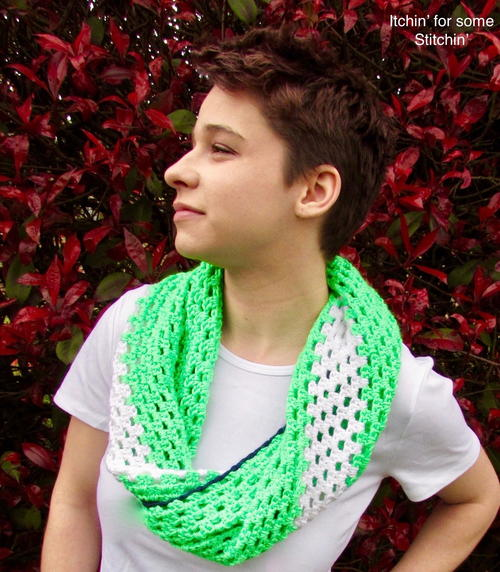 Bold & Beautiful Twisted Cowl