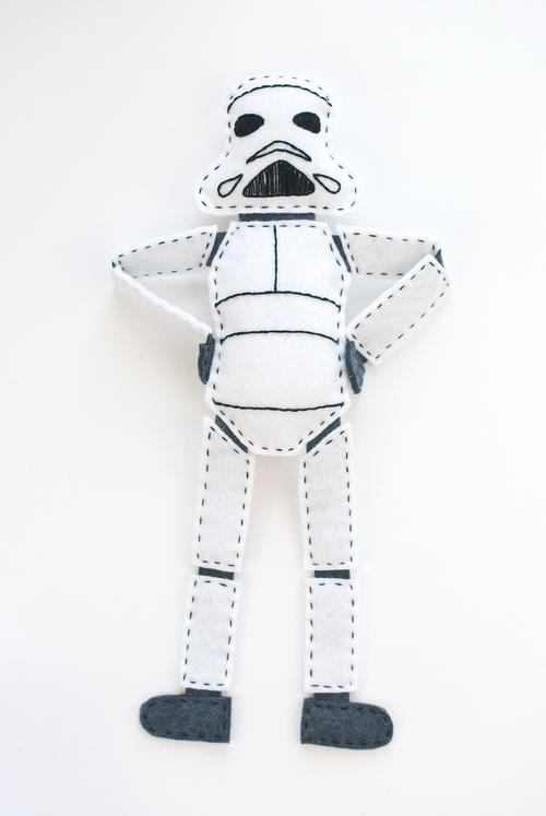 Star Wars-Inspired DIY Felt Stormtrooper Pattern