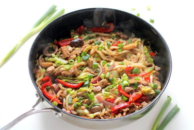 Udon Noodle Stir Fry with Jackfruit