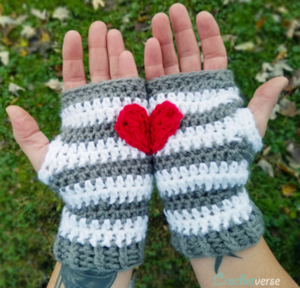 Heart-in-Hand Fingerless Gloves Pattern