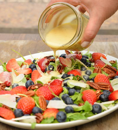Berry and Arugula Salad with Mayo-White Balsamic Dressing