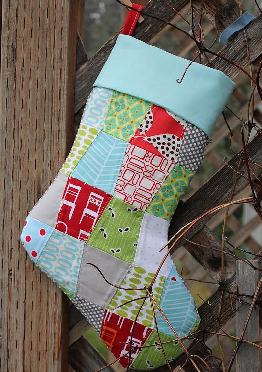 quilted christmas stocking pattern favequiltscom - Quilted Christmas Stockings