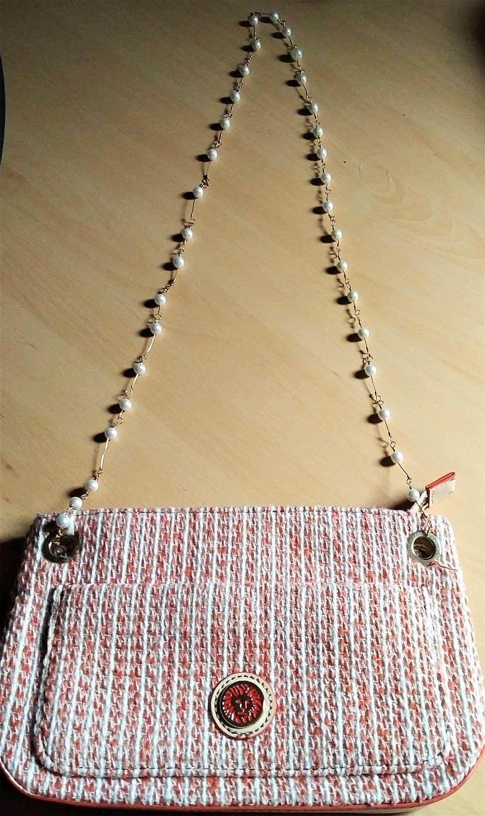 Upcycled Faux Pearl Necklace into Purse Handle | FaveCrafts.com