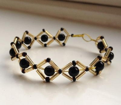 Glam Black and Gold Beaded Bracelet