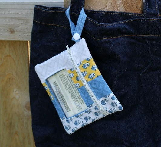 Mini Minion Zippered Pouch Sewing Pattern | AllFreeSewing.com