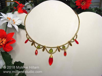 Scalloped Christmas Choker Necklace