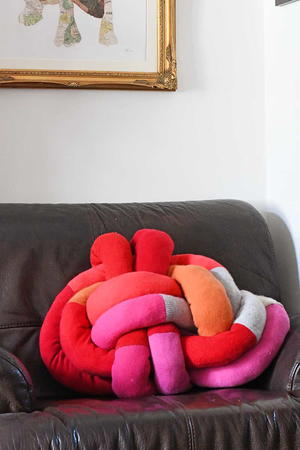 DIY Repurposed Sweater Knot Pillow