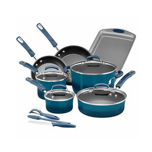 Rachael Ray Porcelain II 14-Piece Cookware Set Giveaway