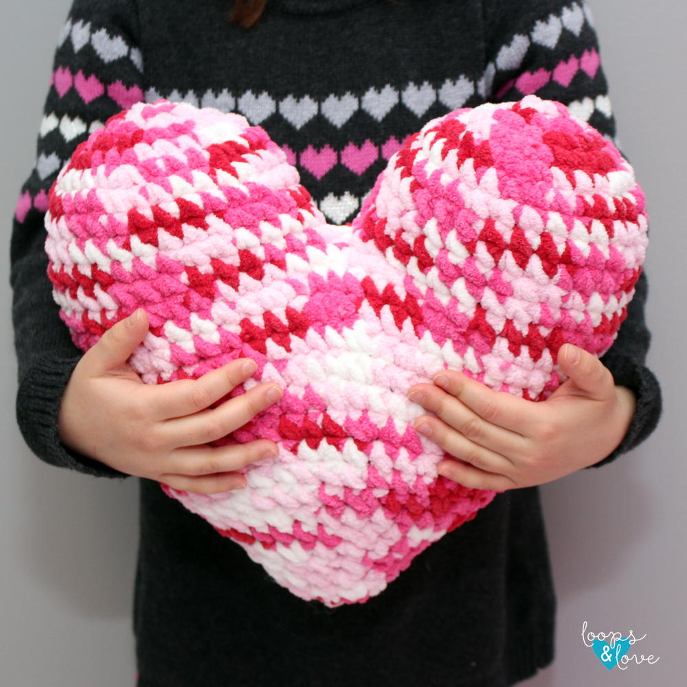 Crochet Heart Pillow Allfreecrochet